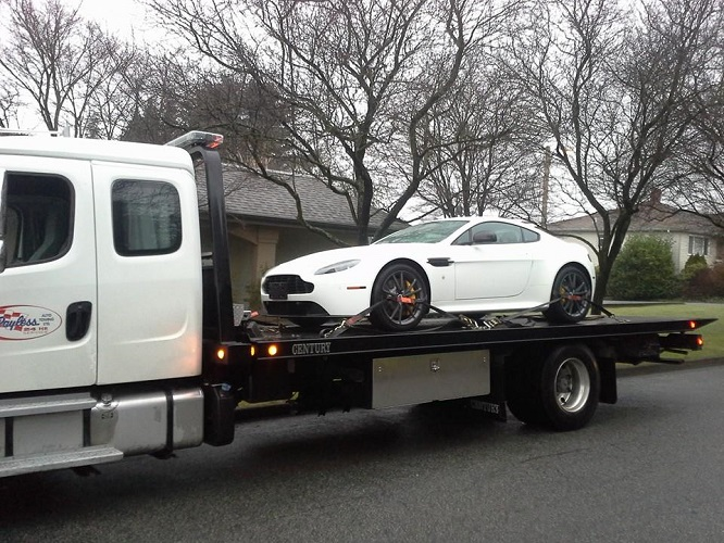 24 Hour Towing Company Rockford, IL 61102